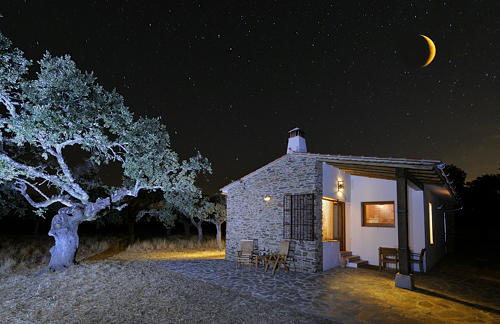 Extremadura, holiday, birding, birdwatching, Finca Las Abubillas, chalet by night